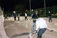 HockeyInRainDec2_09.jpg: 300x200, 50k (May 28, 2015, at 03:05 PM EST)